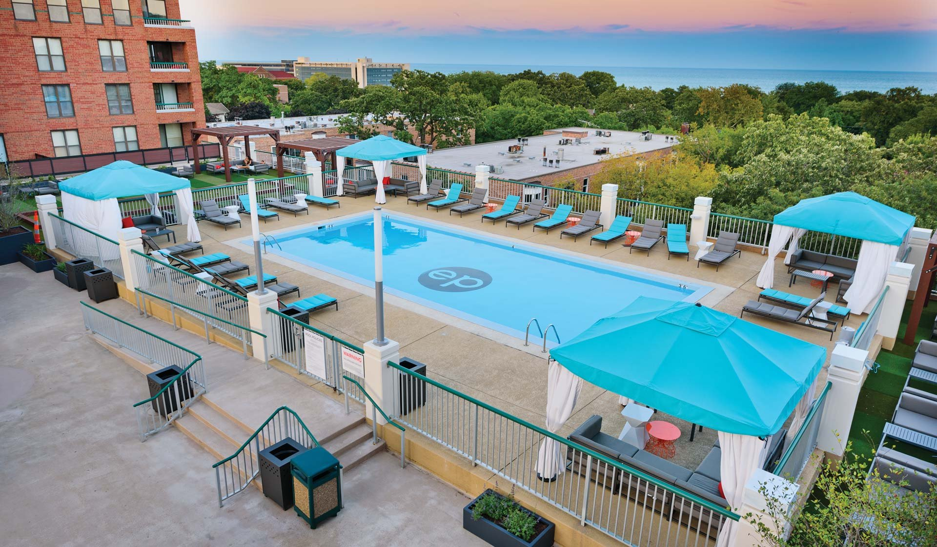 Evanston Place Apartments | Evanston, IL | Featured Amenities